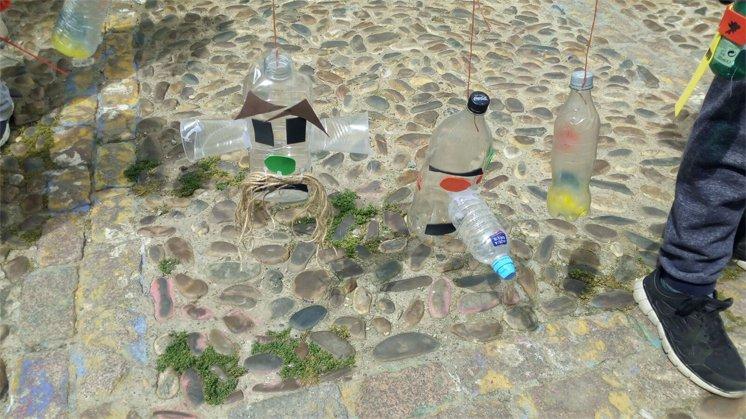 Figuras con Botellas de Plástico